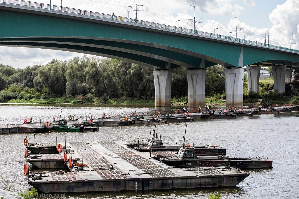 Na Moście Północnym rozłożony zostanie awaryjny rurociąg. Zdjęcie ilustracyjne