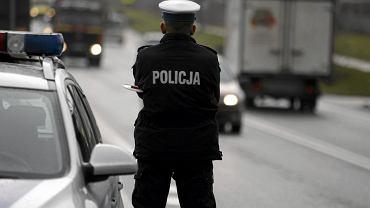 Bandyci w Krakowie ukradli dwie walizki złotej biżuterii. Uciekają srebrnym passatem