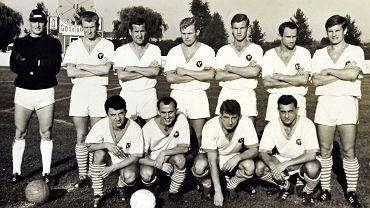 Andrzej Jarosik (w dolnym rzędzie drugi z prawej) rozegrał w Zagłębiu 265 meczów w ekstraklasie, strzelając 113 goli (król strzelców w sezonach 1969/70 i 70/71)