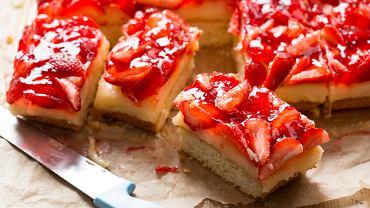 Ciasto z galaretką. Zdjęcie ilustracyjne