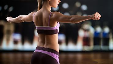 Trzy najskuteczniejsze ćwiczenia na smukłe i wyrzeźbione ramiona