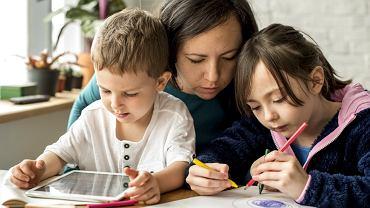 Coraz więcej polskich rodzin decyduje się przejść na edukację domową