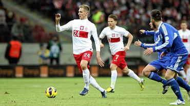 Łukasz Teodorczuk wyprowadza kontratak. Mecz Polska - San Marino (5:0) rozegrany 26 marca 2013 r.