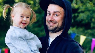 """Znany muzyk jest ojcem dziecka z zespołem Downa. Jego żona nie rozważała aborcji. """"Nie wsparłem jej w decyzji"""""""