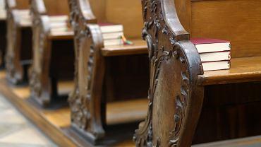 Msza św online na żywo 1 listopada. Sprawdź, gdzie obejrzeć msze. Zdjęcie ilustracyjne