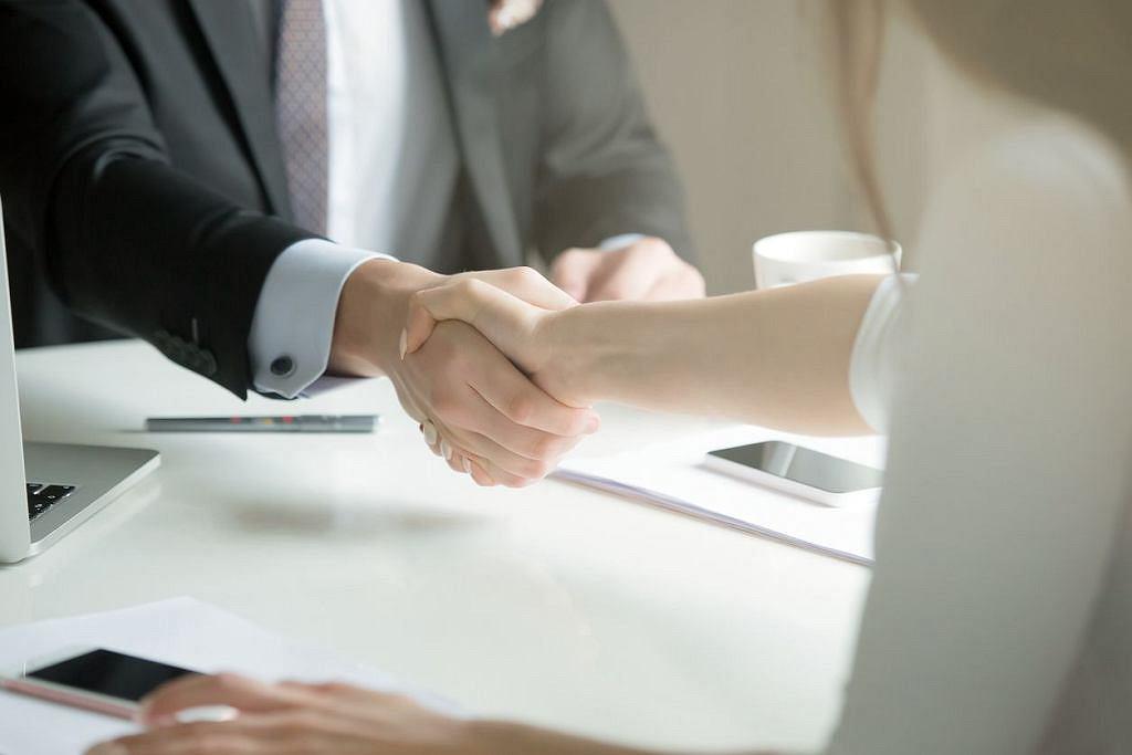 Umowa kredytowa (zdjęcie ilustracyjne)
