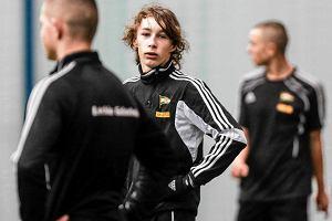 Młody piłkarz Lechii Gdańsk Oktawian Skrzecz przechodzi do Schalke 04