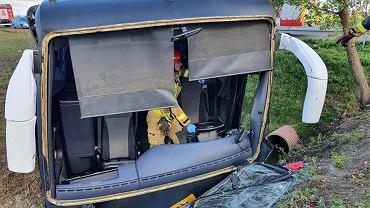 Wypadek autokaru przewożącego dzieci. Pojazd wpadł do rowu