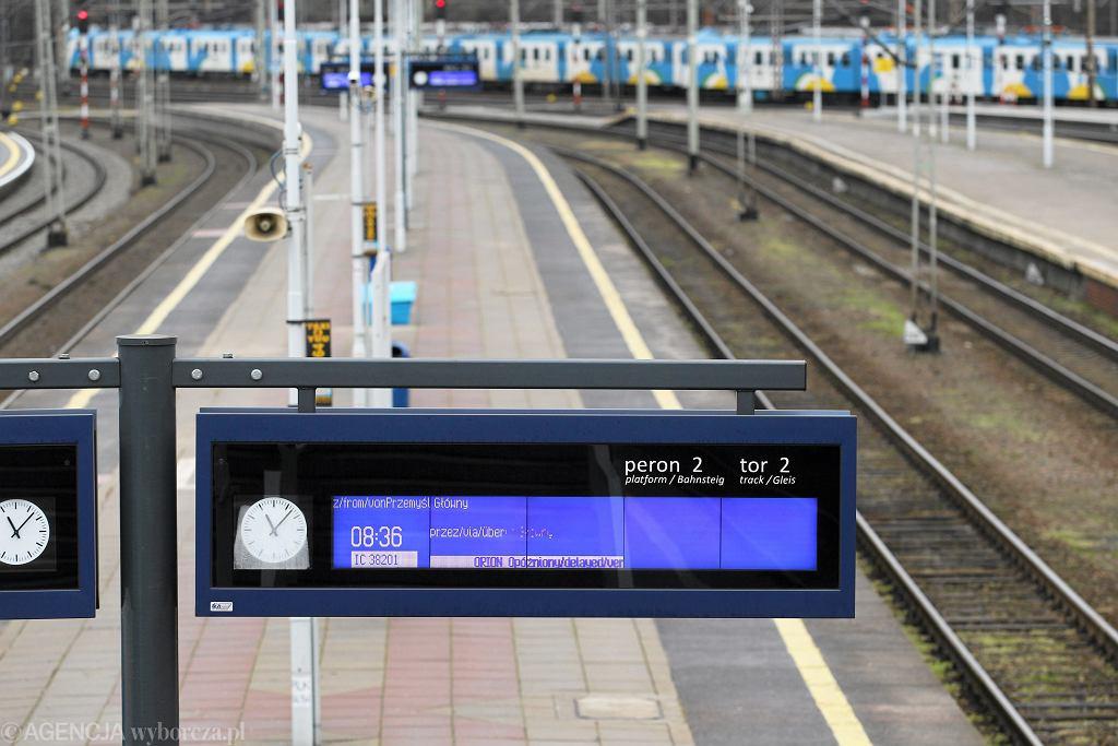 Awaria na stacji Opole Główne. PKP: Pociągi opóźnione o ponad 90 minut (zdjęcie ilustracyjne)
