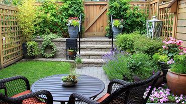 Planowanie ogrodu - ogrodzenia, akcesoria, meble i dekoracje