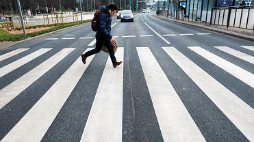 Ul. Matyi, przejście dla pieszych, na którym zginął 32-letni mężczyzna