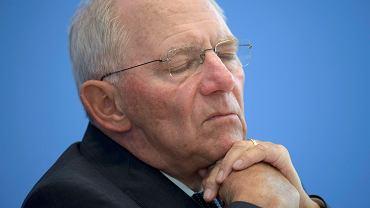Niemiecki minister finansów, Wolfgang Schaeuble. Udaje mu się pożyczać pieniądze od inwestorów nie płacąc im odsetek.