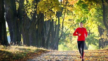 Najczęstszym błędem początkujących biegaczy jest zbyt duża intensywność treningów