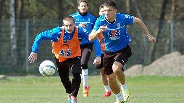 Trening Lecha Poznań. Mateusz Możdżeń i Szymon Pawłowski