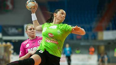 MKS Selgros Lublin - Vipers Kristiansand 25:22. Z piłką Małgorzata Rola