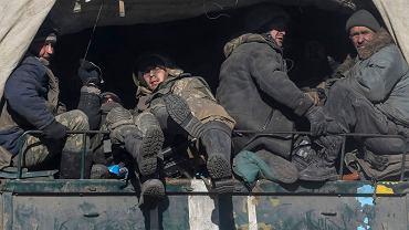 Ukraińscy żołnierze opuszczają Debalcewe