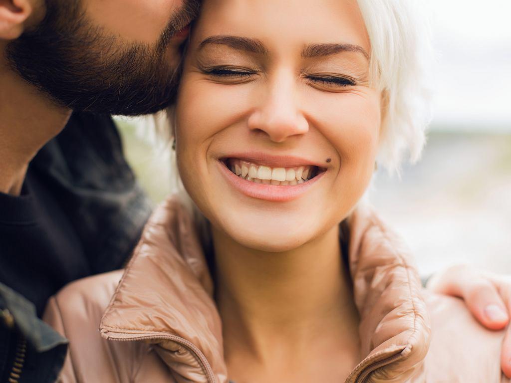Co robią pary, które są ze sobą szczęśliwe? Pięć ważnych wskazówek