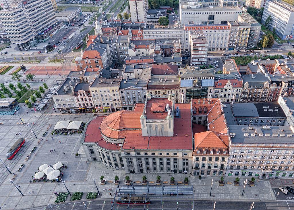 Teatr Śląski w Katowicach w czasie pandemii koronawirusa jest pusty, ale działa