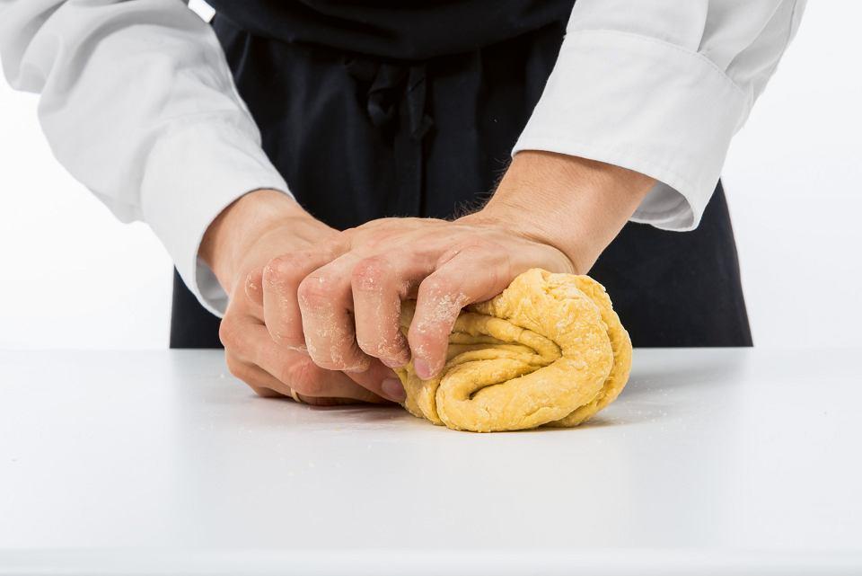 Zdjęcie numer 4 w galerii - Jak zrobić domowy makaron? Mamy przepis krok po kroku i kilka porad