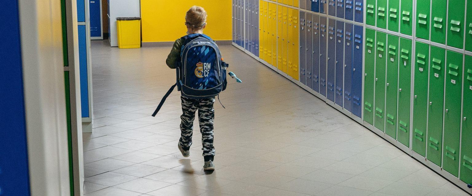 Gdy uczniowie na chwilę wrócili do szkoły między falami pandemii, Ola zauważyła, że są o wiele bardziej agresywni (Bartosz Banka / Agencja Gazeta)