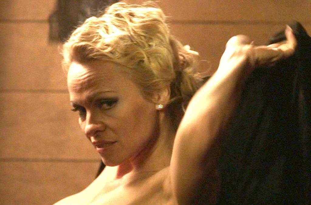 Pamela Anderson właśnie wystąpiła w rozbieranych scenach w najnowszym filmie