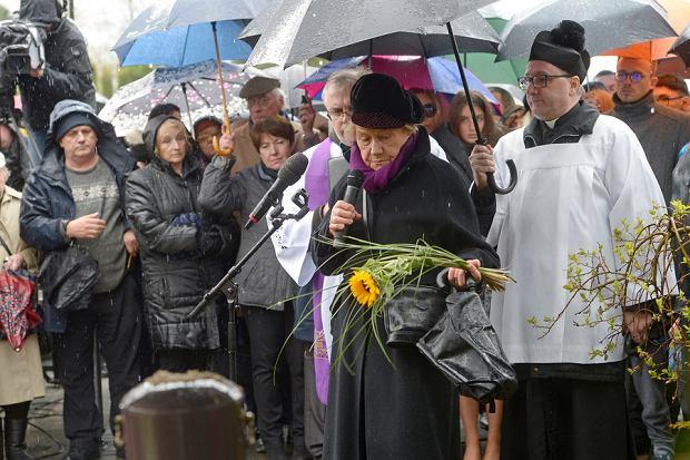 Teresa Lipowska przemawia na pogrzebie Witolda Pyrkosza