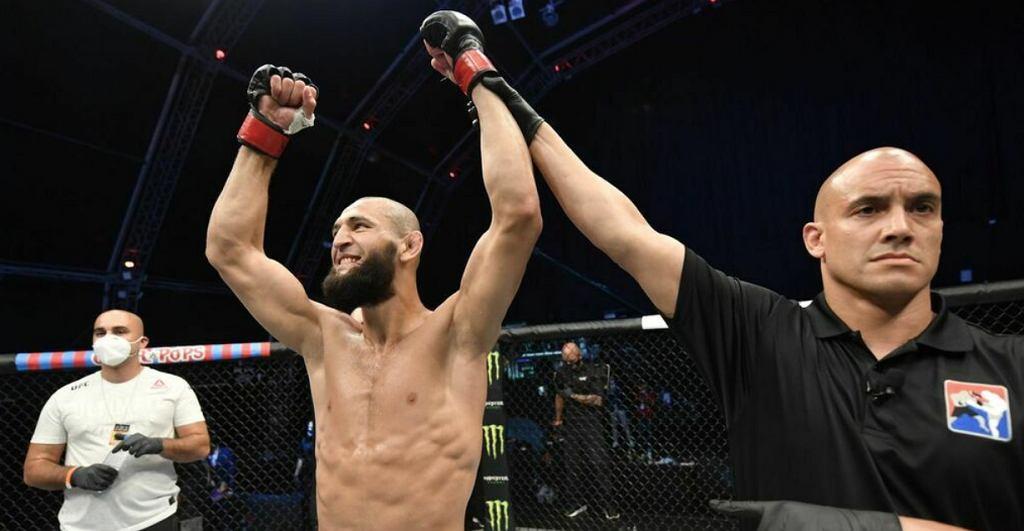 Chamzat Czimajew (9-0) po wygranej walce w UFC. Źródło: Twitter