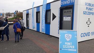 Mobilny Punt Szczepień na pl. Zamkowym w Lublinie