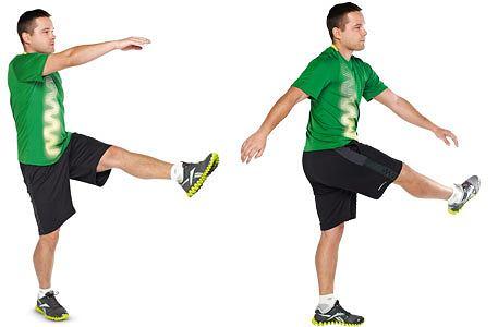 ćwiczenia, Ćwiczenia: rozgrzewka idealna, Stojąc na prawej nodze, rób wymachy lewą