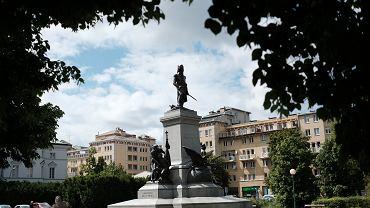 Kopia pomnika  Tadeusza Kościuszki z Waszyngtonu została zdewastowana graffiti