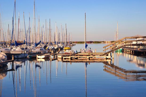 Port żeglarski na Jeziorze Nezyderskim
