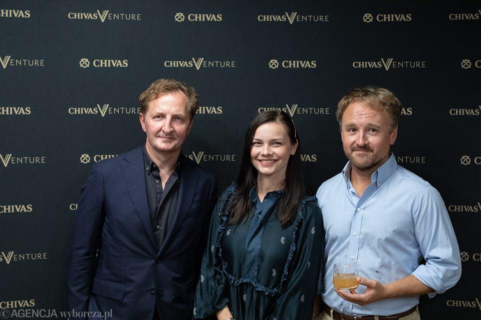 Jury tegorocznej edycji Chivas Venture. Od lewej: Marian Owerko, Agnieszka Maciejowska i Artur Kurasińki