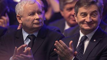 111 posłów nie wypełniło rejestru korzyści. Na liście spóźnialskich Kuchciński, Kaczyński, Neumann