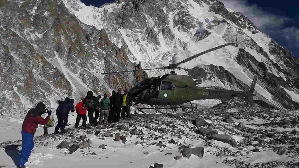 Bohaterowie akcji ratunkowej są już w bazie pod K2