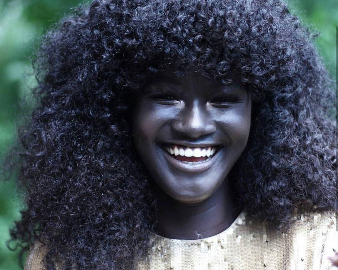 czarne dziewczyny heban wideo