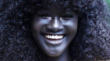 """Khoudia Diop, czyli """"królowa melaniny"""". Karierę tej modelki będziemy obserwować"""