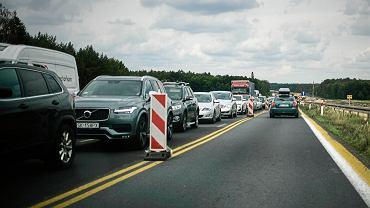 Ostrożna jazda samochodem wpływa na niższą cenę polisy OC