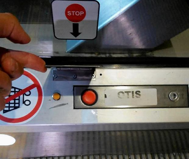 Новая защита для кнопок для остановки эскалаторов