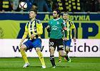 Piłkarze PGE GKS kurują się przed meczem z Miedzią Legnica