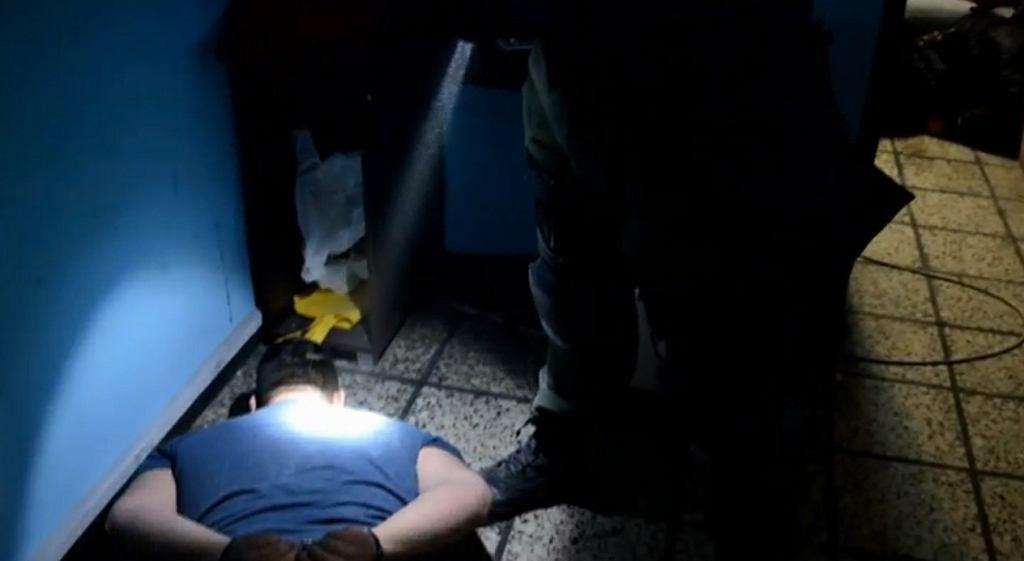 Policja zatrzymała podejrzanego o handel dopalaczami