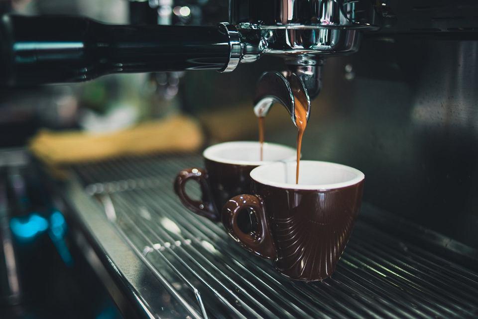 Ciśnieniowy ekspres do kawy - czym się kierować w wyborze?