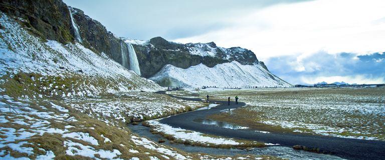 """Islandia. Topniejący lodowiec odsłonił wrak samolotu. """"To fascynująca historia"""""""