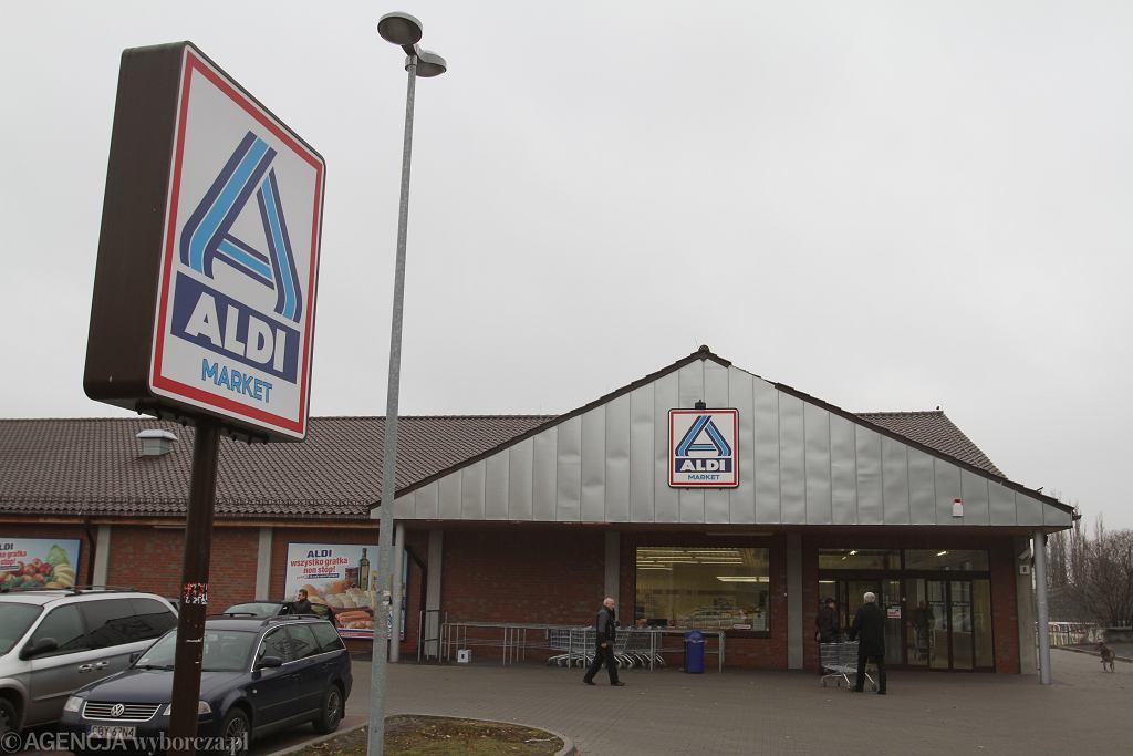 Niedziele handlowe 2018. Czy 16 grudnia sklepy będą czynne?