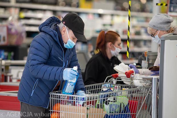 Nie ma lepszego sposobu na bezpieczne zakupy niż zawieszenie na rok zakazu handlu w niedzielę