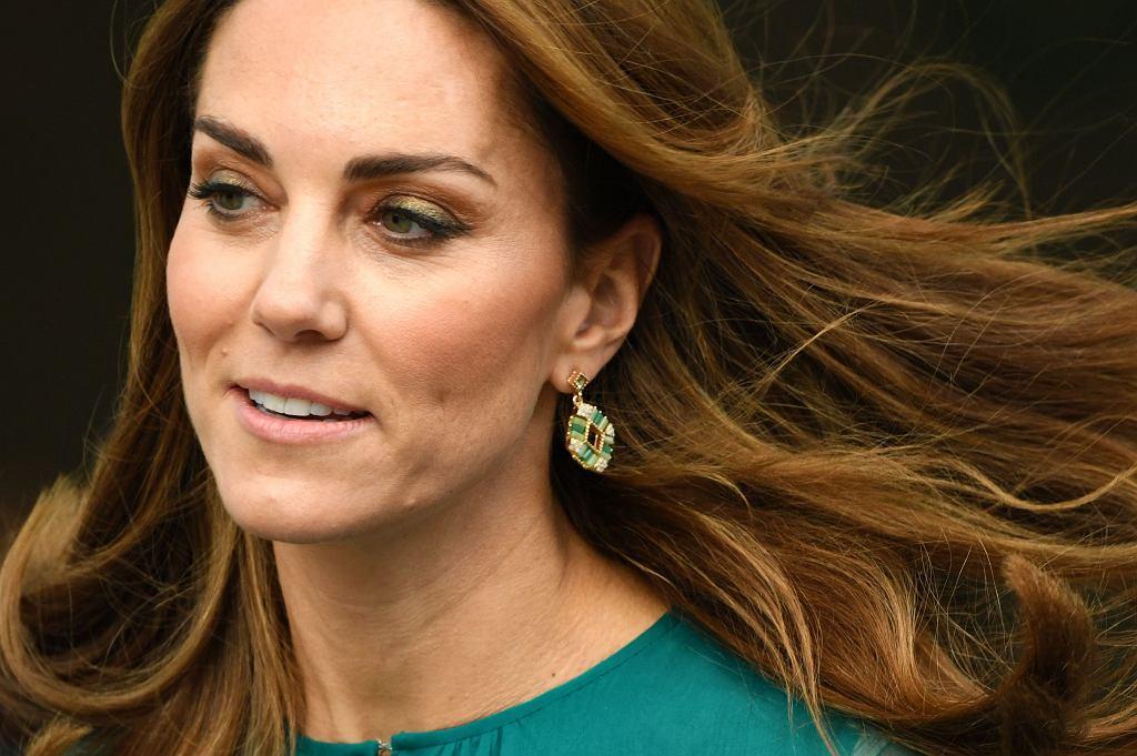 Księżna Kate w kolczykach z sieciówki