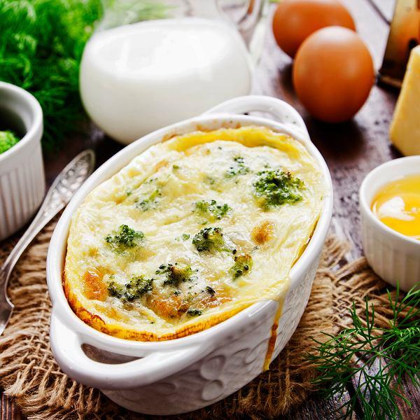 Sałatka, zapiekanka i makaron to sprawdzone pomysł na dania, gdy odwiedzą nas niespodziewani goście.