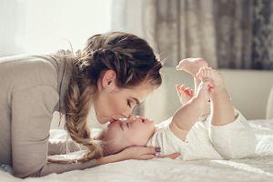 Kiedy dziecko zaczyna mówić? Rodzice z niecierpliwością wyczekują pierwszych słów