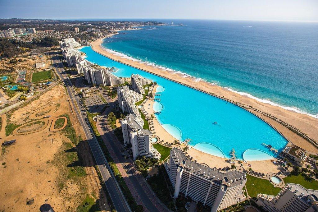 Kurort San Alfonso del Mar z największym basenem na świecie