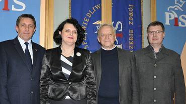 Antoni Augustyn (pierwszy z lewej) obok posła Grzegorza Matusiaka