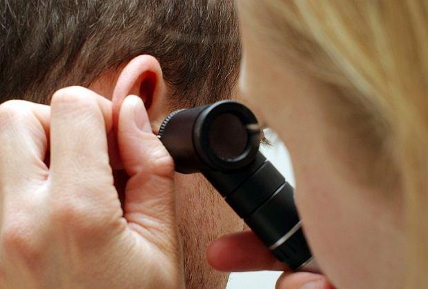 Perforacja błony bębenkowej wymaga natychmiastowej reakcji lekarza!